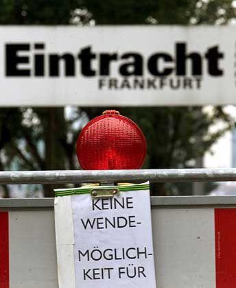Sonntag, 16. Juni 2002, Trainingsgelände von Eintracht Frankfurt