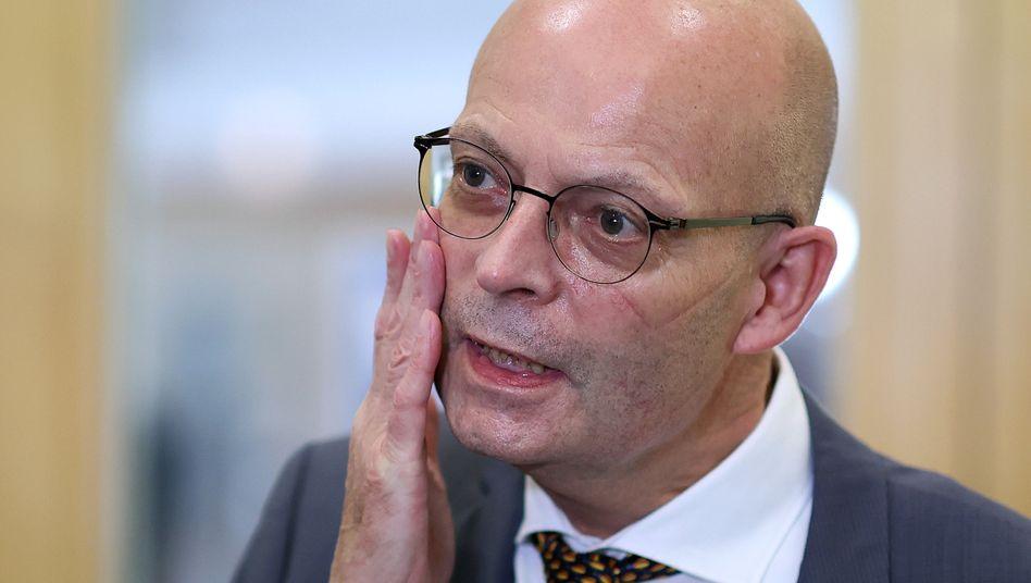 Halles Oberbürgermeister Bernd Wiegand: Rücktrittforderungen werden lauter