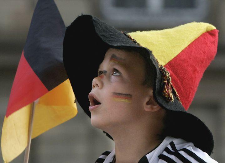 Junger Fußballfan während des deutschen Sommermärchens 2006