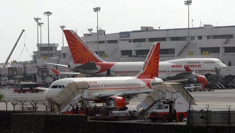 Air-India-Flugzeuge in Mumbai: Ein junger Pilot sorgt mit Schmäh-Video für Ärger
