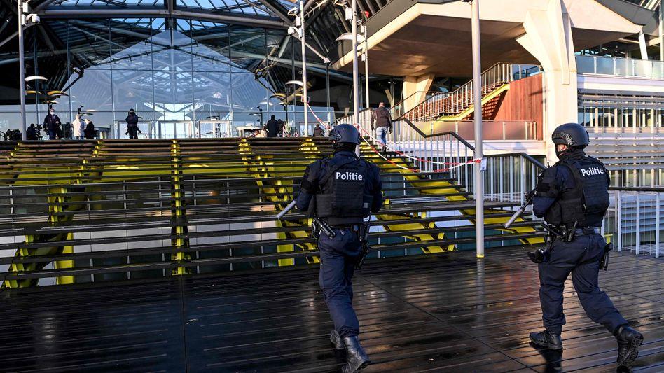 Während des Prozesses in Antwerpen wurde das Gericht von schwer bewaffneten Sicherheitskräften bewacht