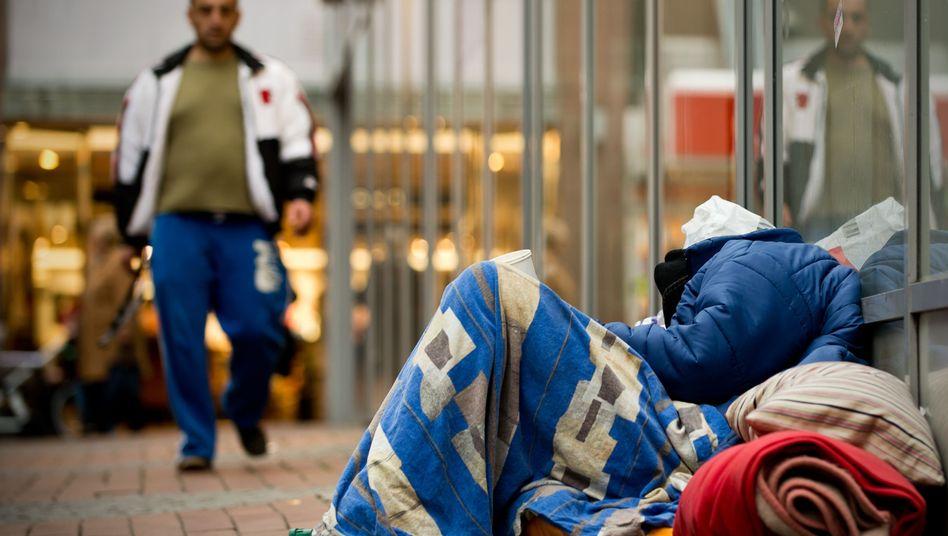 Obdachloser in Dortmunder Fußgängerzone