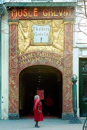 Wachsfigurenmuseum Grévin in der Passage Jouffroy: Stilvoll flanieren, in antiquarischen Büchern schmökern und aufgestellte Büsten bewundern