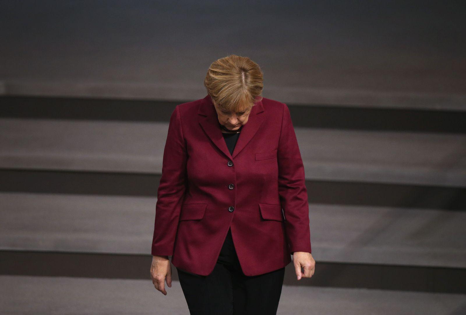 DER SPIEGEL 45/2015 pp.16 Merkels Kurs