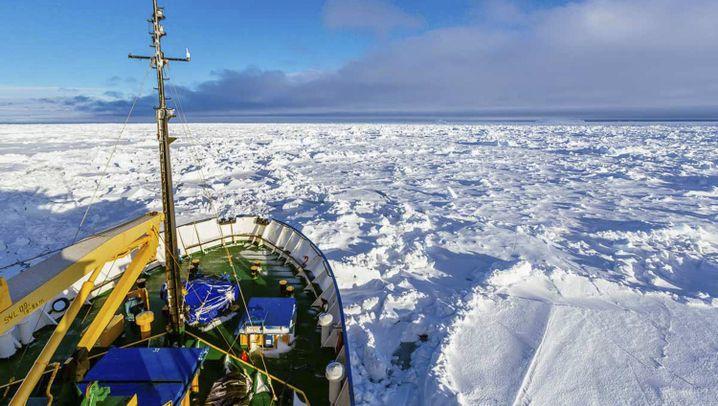 Polarschiff in Seenot: Banges Warten auf Hilfe