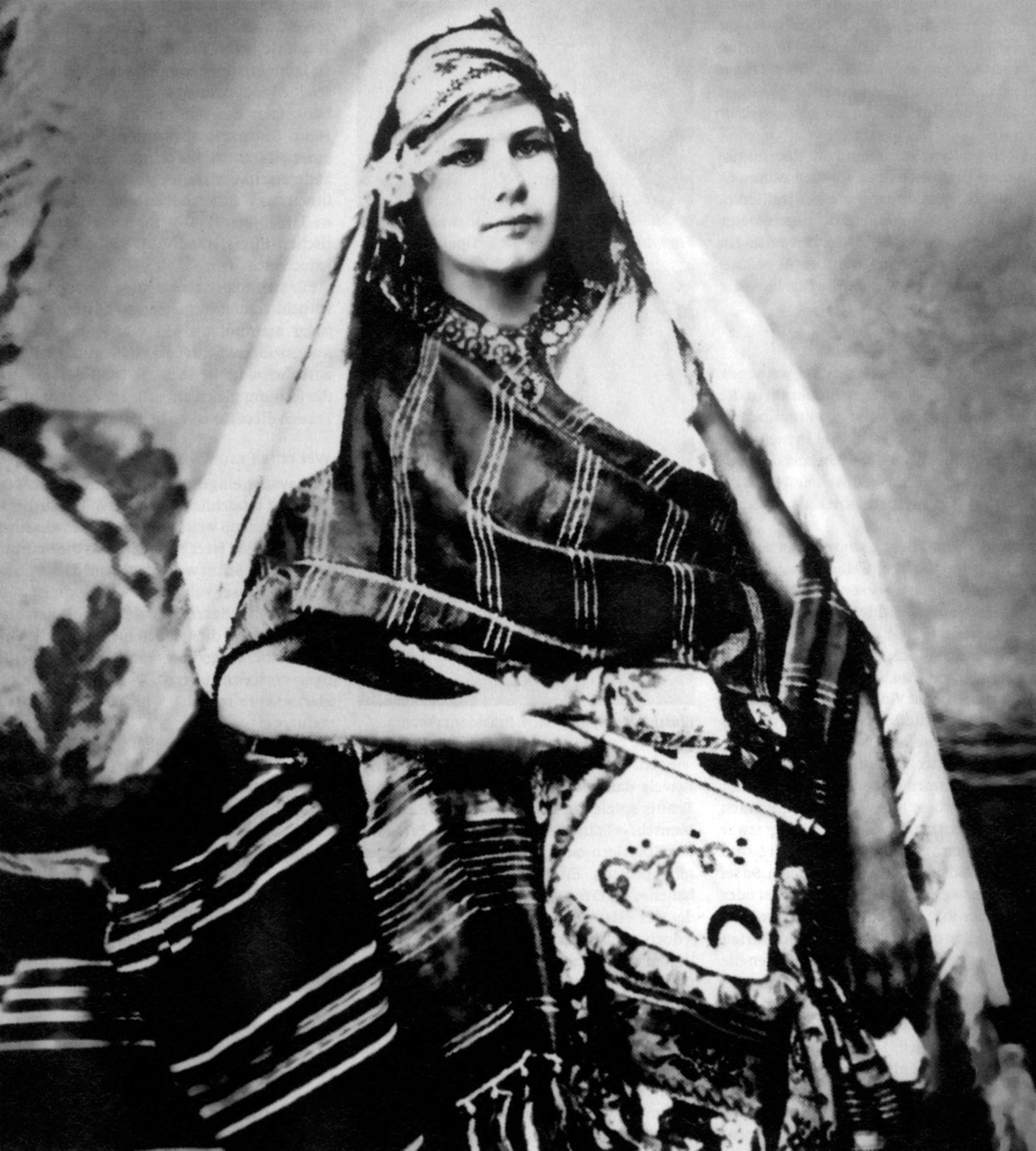 Isabelle Eberhardt, Swiss Cross-Dresser and Writer