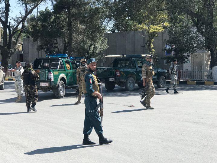 Afghanische Sicherheitsbehörden am zweiten Tatort in Kabul