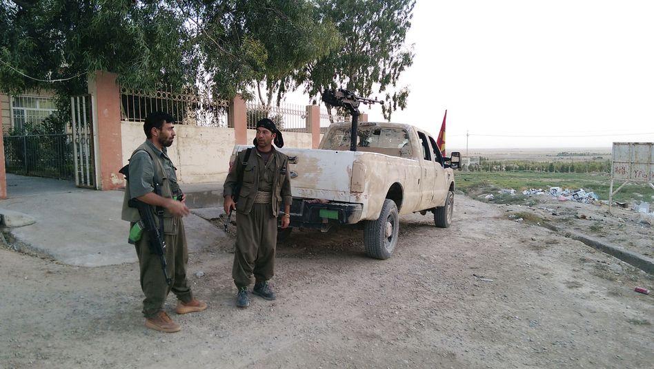 PKK-Milizen in Makhmur, südwestlich der nordirakischen Stadt Erbil: Kämpfen an der Seite der Peschmerga gegen die IS