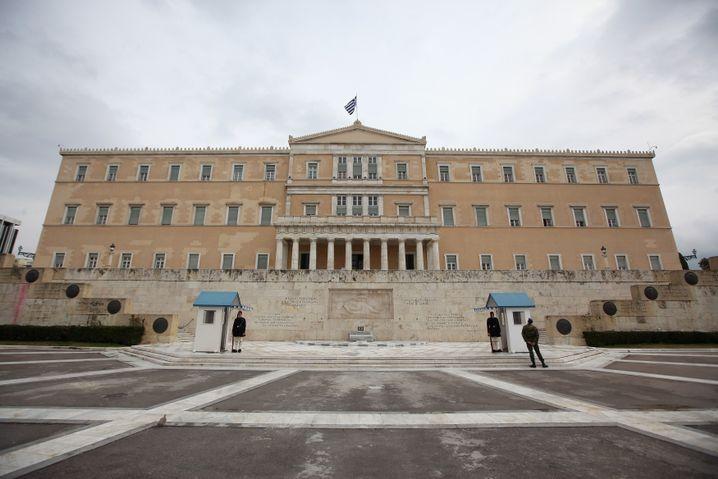 Grabmal des unbekannten Soldaten vor Parlament an Athens Syntagma-Platz: Eigene Genehmigung erforderlich