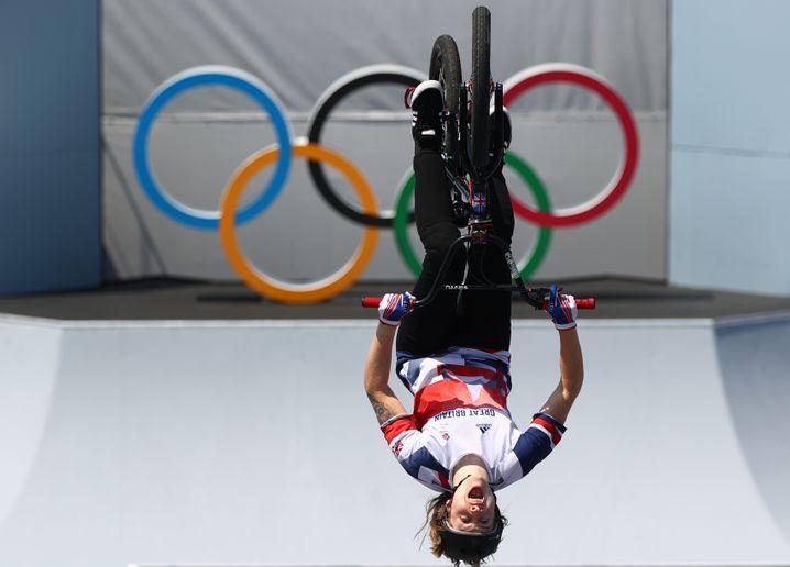 So sieht eine Olympiasiegerin aus: Die britische BMX-Fahrerin Charlotte Worthington