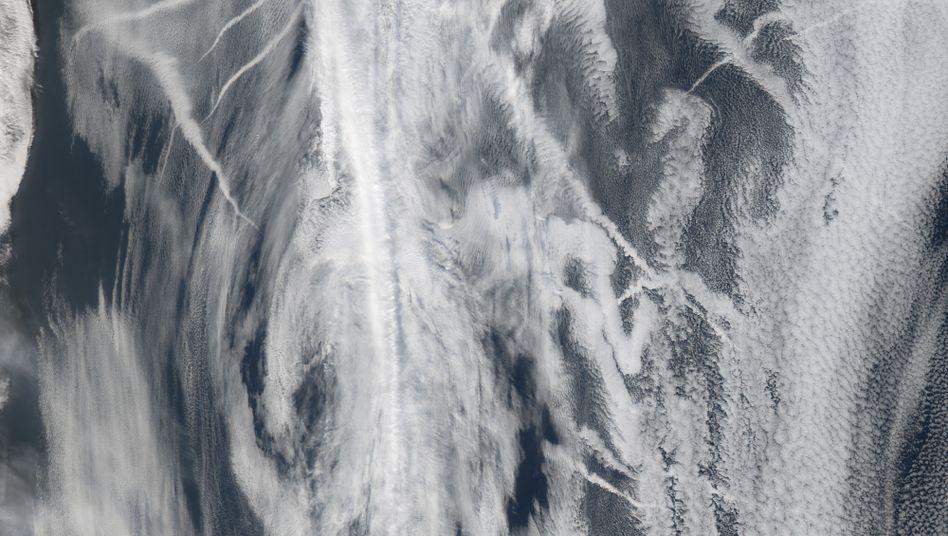 Schiffs-Abgaswolken vor der US-Küste: Sollen künstliche Partikel die Erwärmung bremsen?