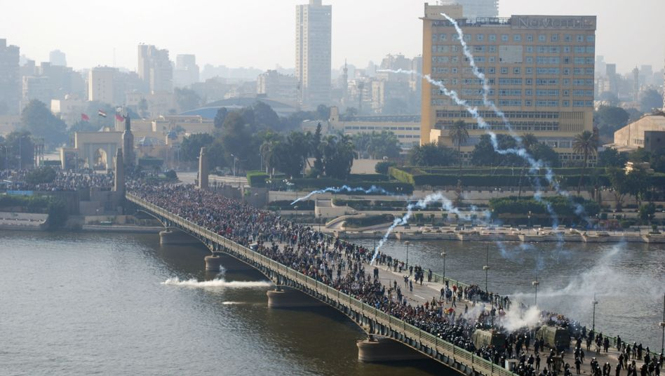 Reporting on Revolution: MovieExamines Journalists' Battle to Report Egypt's Uprising
