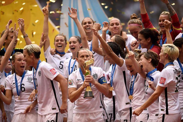 Jubel bei der Siegerehrung: WM-Erfolg nach 16-jähriger Durststrecke