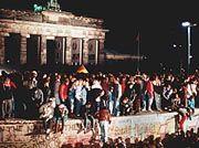 Mauerfall 1989: Jeder Fünfte würde sie wieder aufbauen wollen