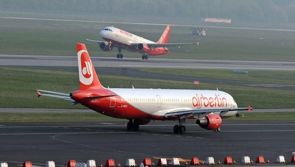 Air-Berlin-Maschine: Bei der Gepäckverladung wurde ein verdächtiges Paket gefunden
