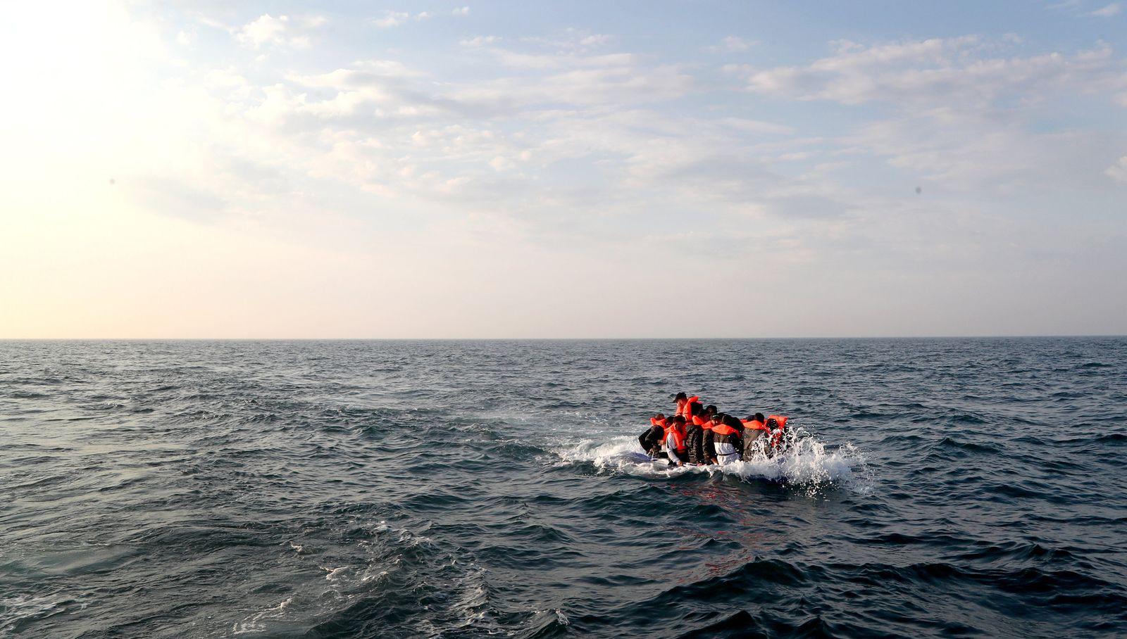 Polizei und Drohnen sollen Migration über Ärmelkanal verhindern
