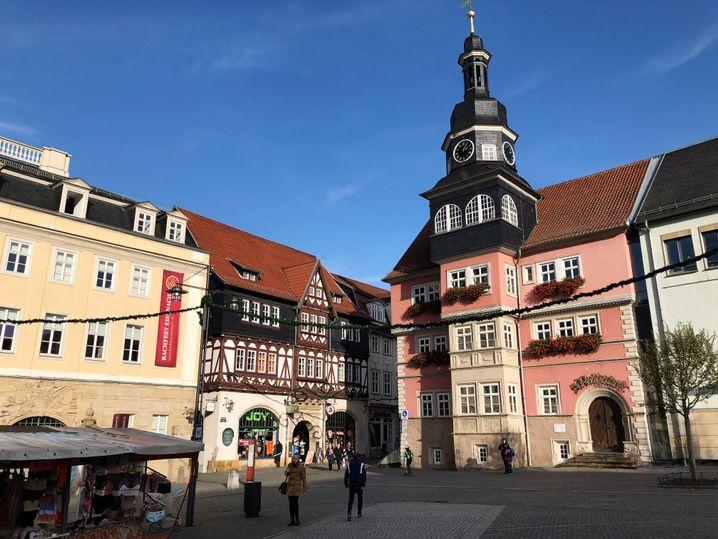 Rathaus im Zentrum von Eisenach: Kultur, Geschichte - und Neonazis