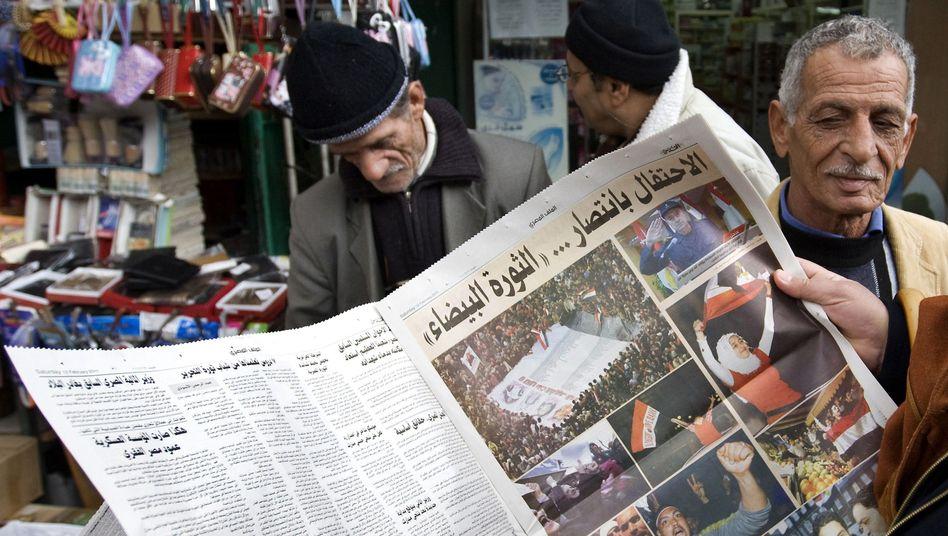 Zeitungsleser in Jerusalem: Regierung in Schockstarre