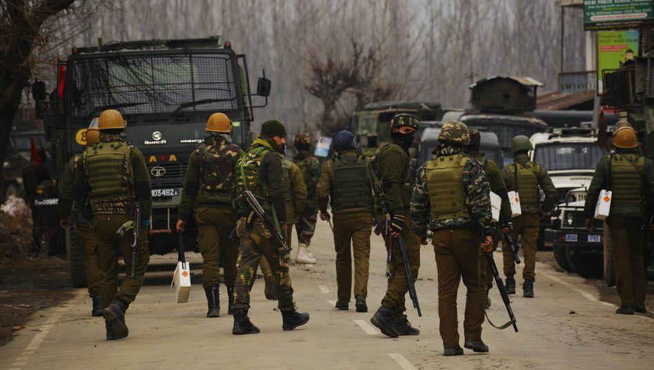 Indische Sicherheitskräfte in Kaschmir