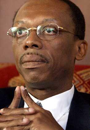 Jean-Bertrand Aristide: Haitis Ex-Präsident während seiner ersten Pressekonferenz im zentralafrikanischen Exil