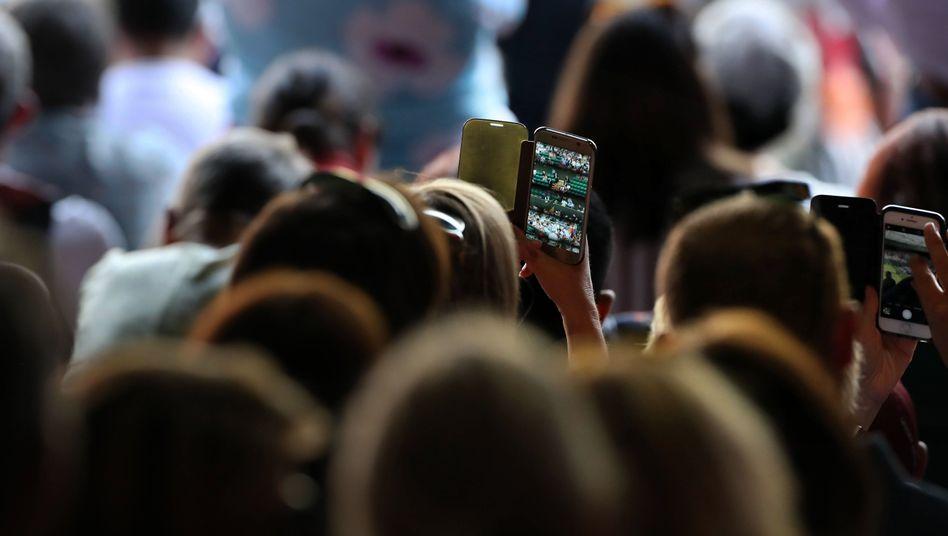 Einfach mal das Smartphone weglegen fällt manchen schwer