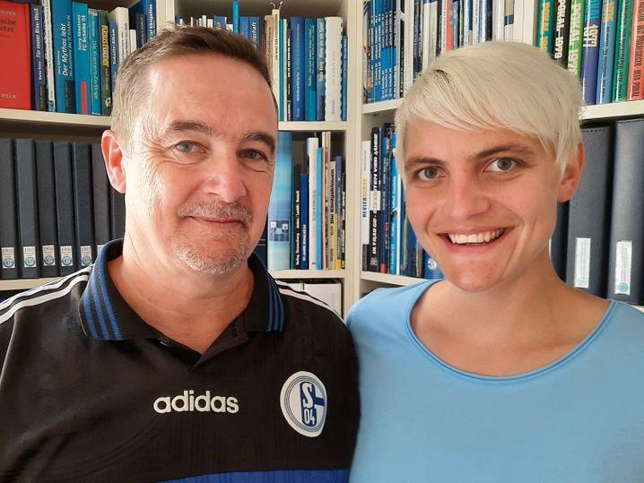 Schalke-Fans Stefan Barta, Katharina Strohmeyer