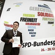 """Heil vor Kongress-Plakat: """"Größter Parteitag der Geschichte"""""""