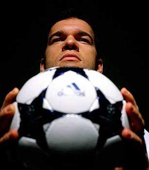 Model Ballack: Der Bayern-Profi als Werbepartner eines Sportartikelherstellers