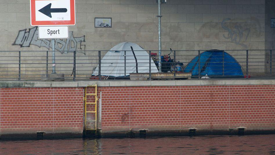 Zelte von Obdachlosen im Berliner Regierungsviertel
