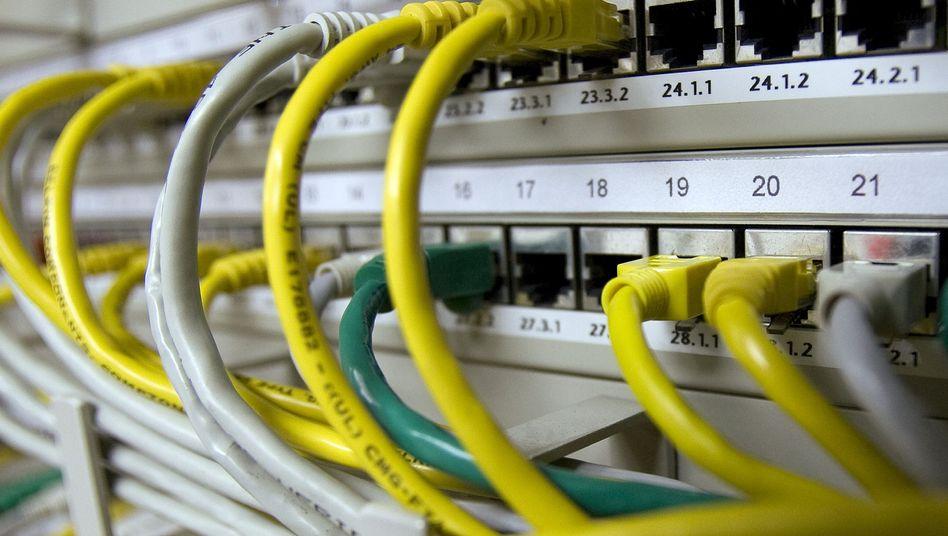 Netzwerkkabel: Leitete China Daten aus den USA über eigene Server um?