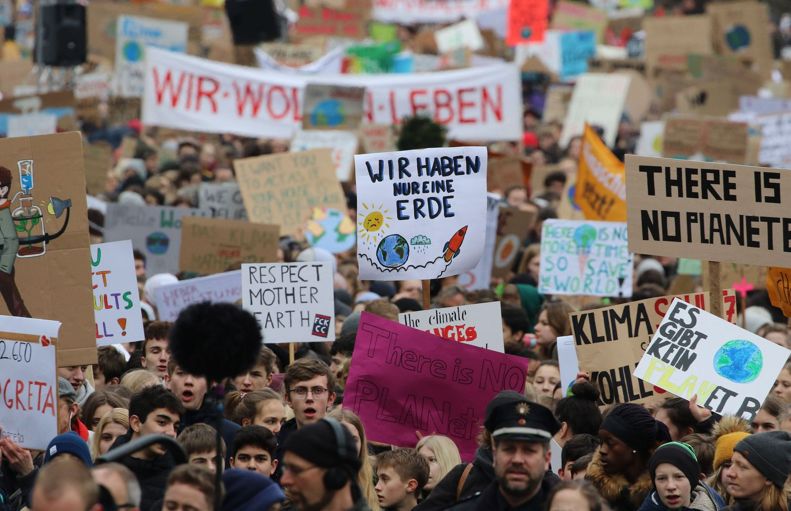 Protest against climate change in Hamburg, Germany - 01 Mar 2019