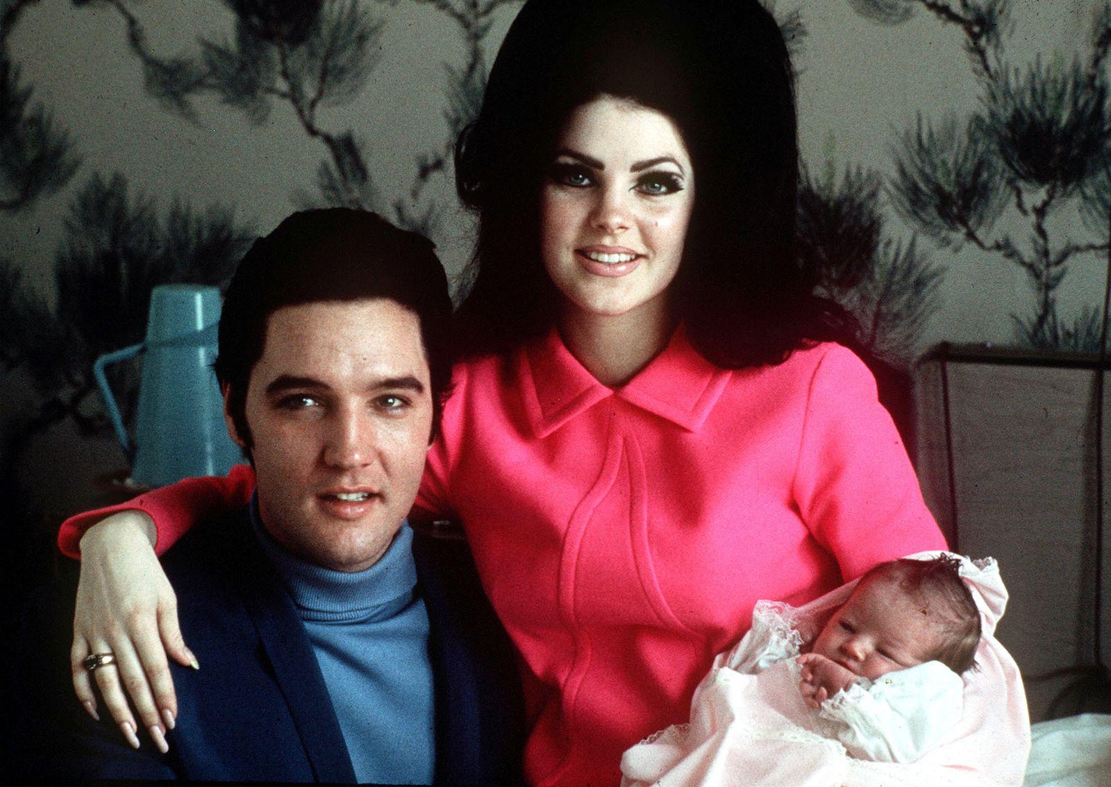 Elvis Presley - ELVIS, PRISCILLA, LISA MARIE
