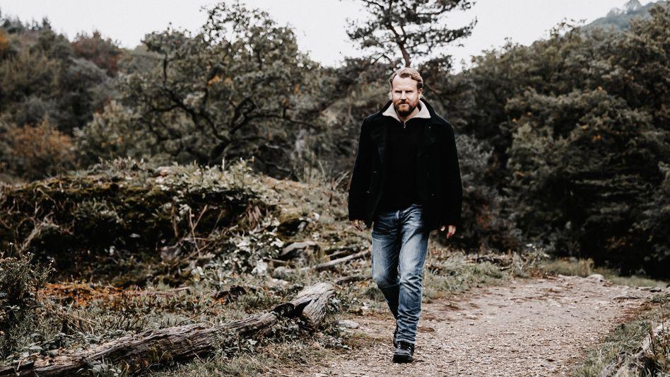 Wanderer Dusse: »Ich will gemeinsam mit dem Mörder das Schöne in der Welt wiederentdecken«