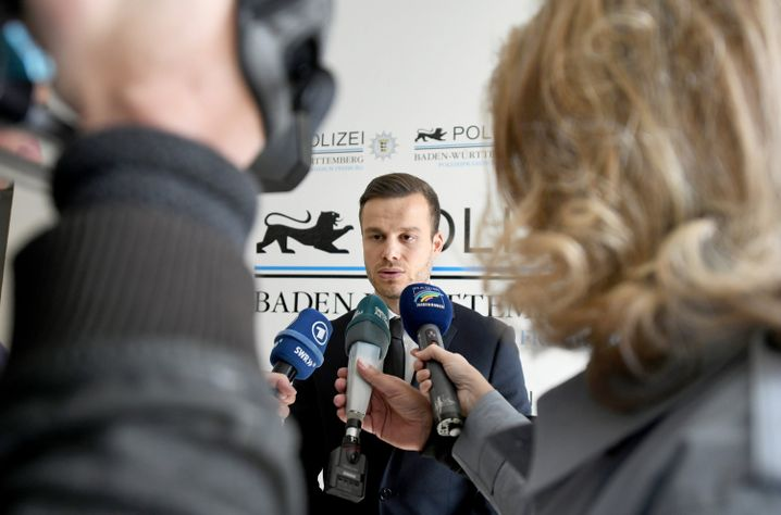 "Kriminalhauptkommissar Mathias Kaiser, Leiter der Ermittlungsgruppe ""Burg"""