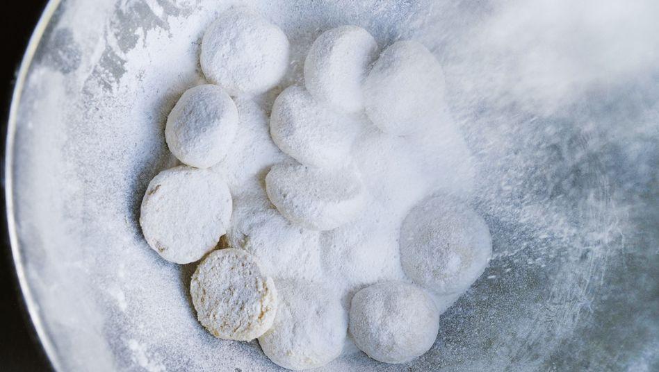Ottolenghis Rezept: Gebäck mit Orangenblüten-Wasser, Mandeln und Puderzucker