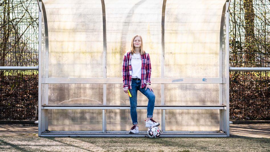 Pipe IT: Mit 14 begann Jolina Hukemann, eine App zu entwickeln, die Schiedsrichter mit Amateurfußballern vernetzt