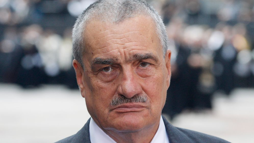 Photo Gallery: Interview with Czech Foreign Minister Schwarzenberg