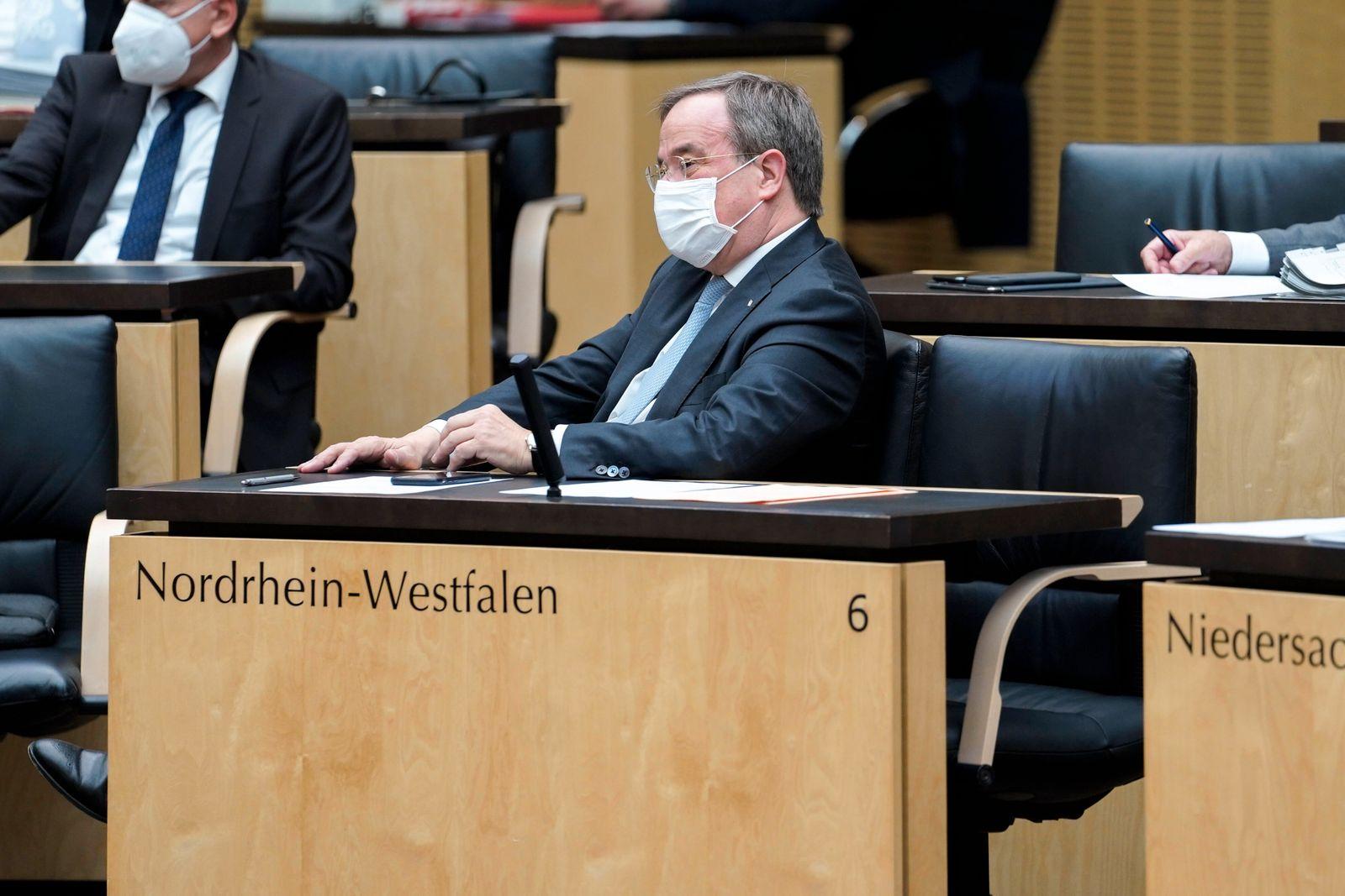 1002. Bundesratsitzung in Berlin Aktuell, 26.03.2021, Berlin, Armin Laschet (CDU) der Ministerpraesident von NRW und CD