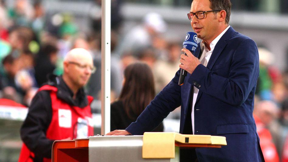 "ARD-Moderator Opdenhövel: ""Schwindeliga Fifa-Flöten"""