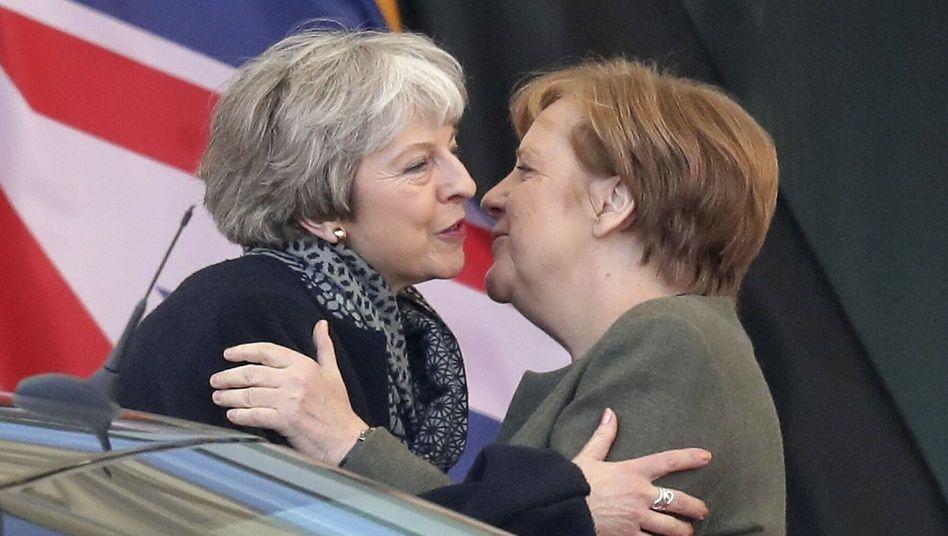 Theresa May und Angela Merkel
