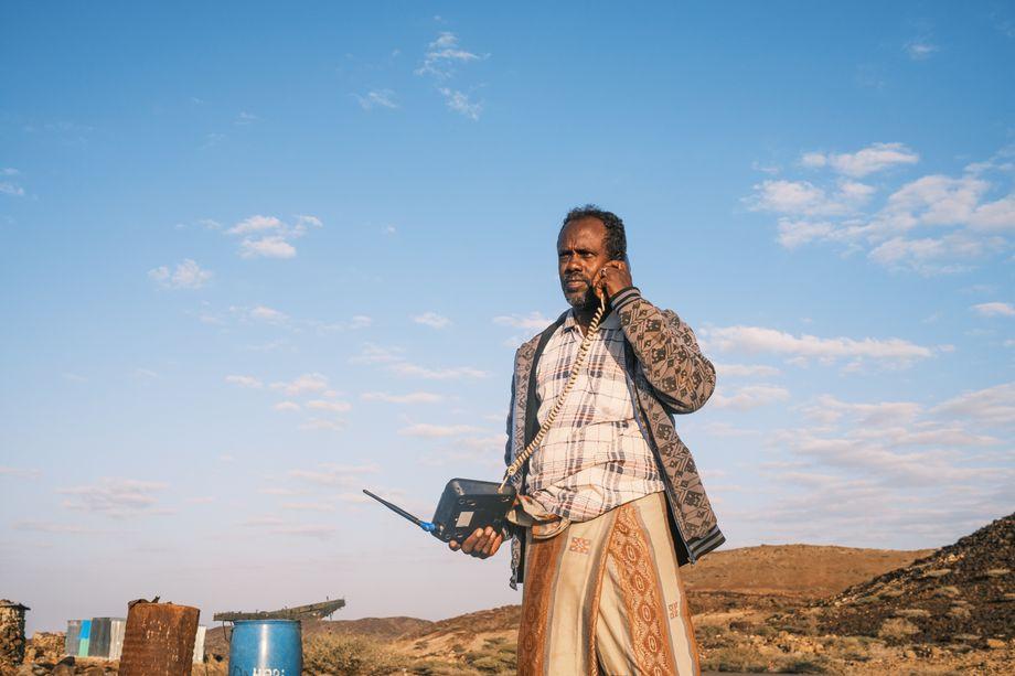 Borito Ali gehört zum Volk der Afar-Nomaden. Längst kann er mit seiner Familie von dem Nomadentum nicht mehr leben, vom stolzen Nomaden wurde er zum Hilfsempfänger