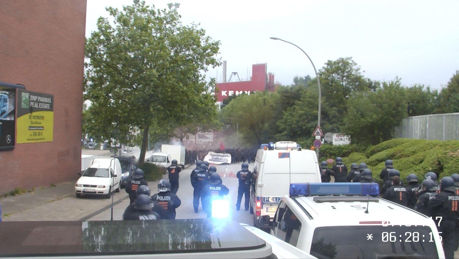 EINMALIGE VERWENDUNG Hamburg/ G20/ Einsatz am Rondenbarg