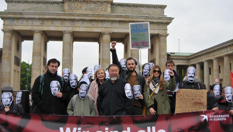 Solidaritätskundgebung für Assange in Berlin