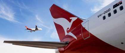 Längere Füße für das fliegende Känguru: Heute präsentierte Qantas eine Boeing 767 mit dem neuen Logo