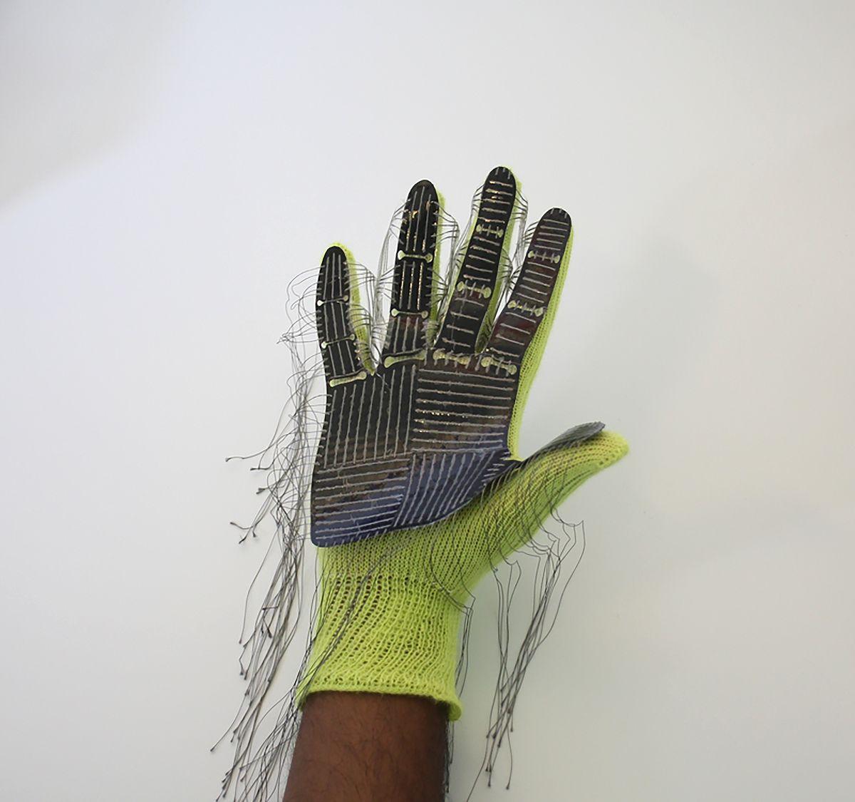 EINMALIGE VERWENDUNG Roboter/ Fingerspitzengefühl