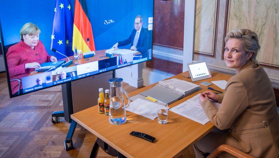Manuela Schwesig bei Videokonferenz mit Ministerpräsidentinnen, Ministerpräsidenten und Kanzlerin, im November 2020