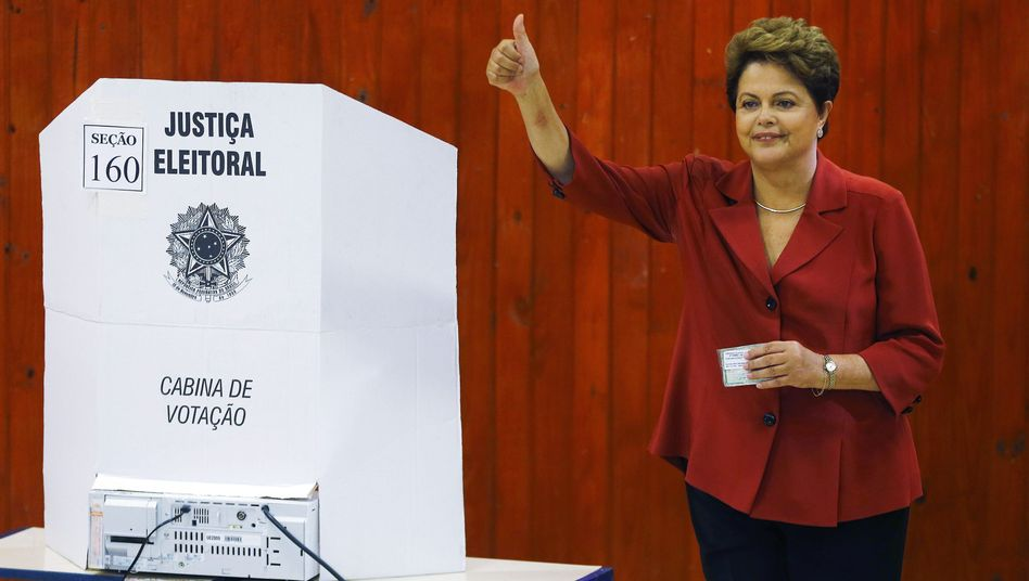 Brasiliens Präsidentin Rousseff im Wahllokal: Eines der knappsten Ergebnisse in der Wahlgeschichte
