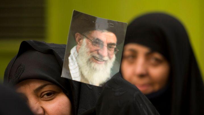 Iran: Massenaufmarsch für Ahmadinedschad