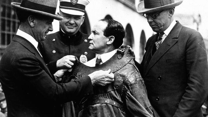 Houdini: Der Handschellen-König
