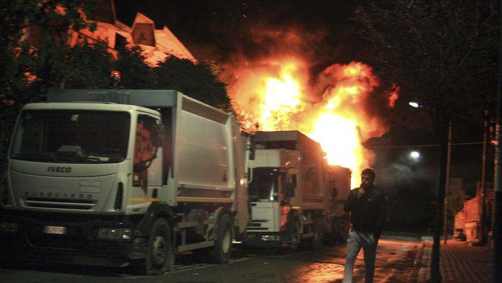 """Chaos in Neapel: """"Der Müll ist Gold wert"""""""